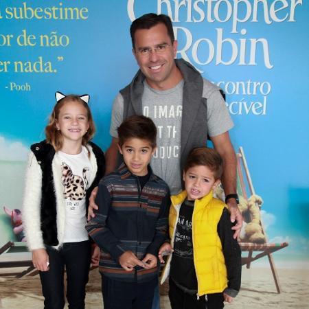Rodrigo Bocardi por trás das câmeras do Bom dia SP: De início como office boy a casamento