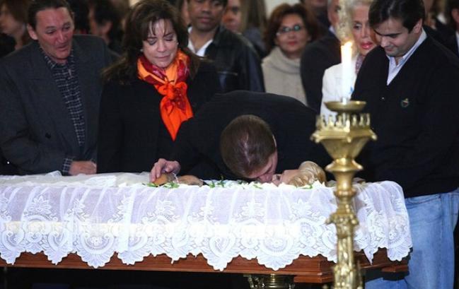 Silvio Santos pediu perdão a Hebe Camargo durante velório