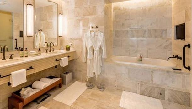 Adriano Imperador vende mansão e se muda para suíte de R$ 80 mil em hotel