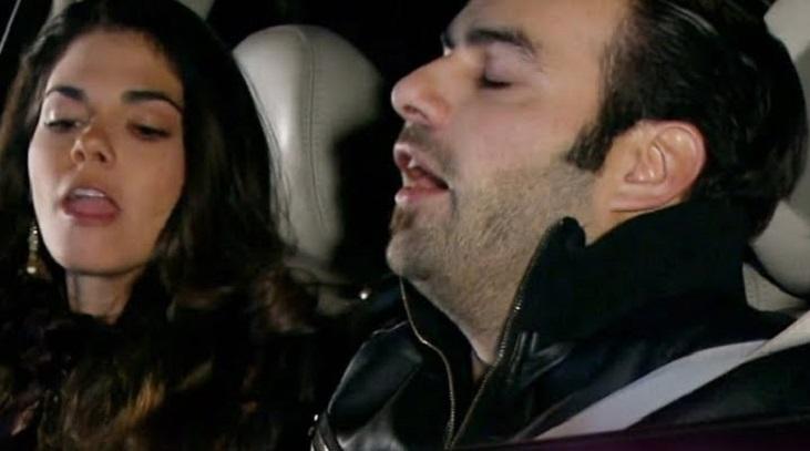 Cena de Triunfo do Amor com Fernanda e Frederico num carro
