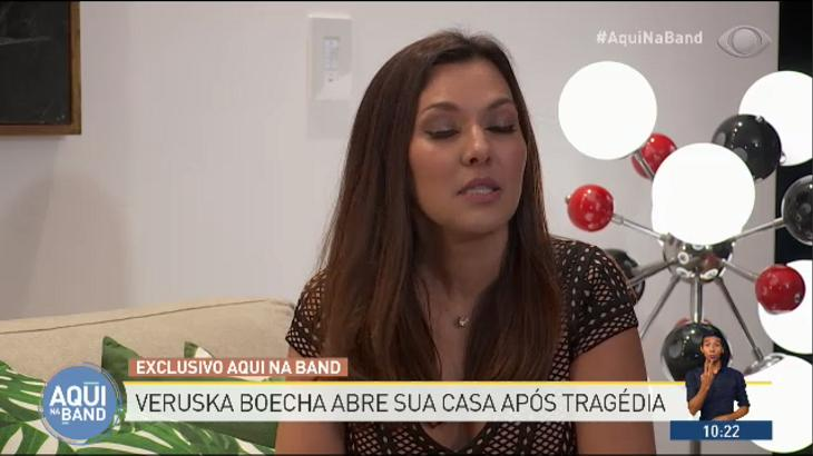 "Silvia Poppovic chama Michel Temer de \""feio\"" e assusta Roberto Justus no \""Aqui na Band\"""