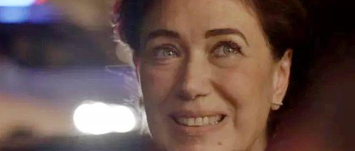A Força do Querer: Silvana é parada pela polícia com Bibi dentro do porta-malas