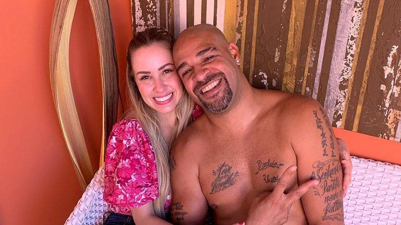 Adriano Imperador e Victoria Moreira