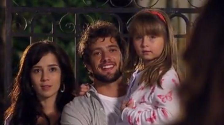 A Vida da Gente: Ana vê Manu e Rodrigo como casal e fica impactada