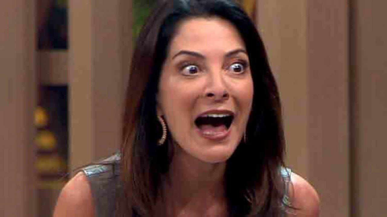 Ana Paula Padrão com cara de espanto