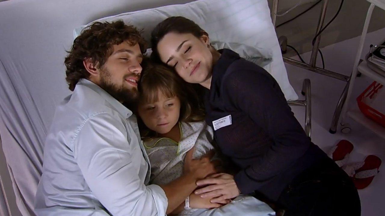 A Vida da Gente: Júlia surpreende os pais com pedido inusitado
