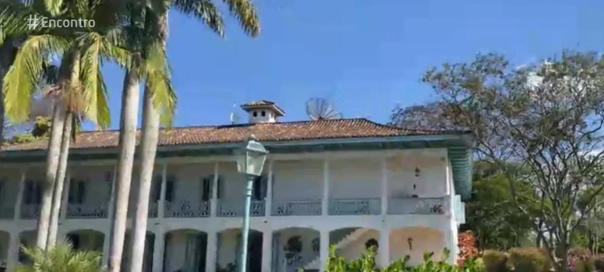 Ana Maria Braga passa quarentena em fazenda luxuosa e com capela exclusiva