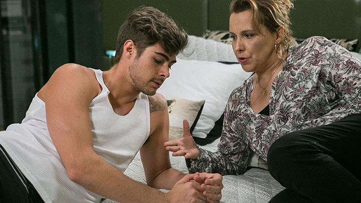"Ana Beatriz Nogueira elogia Rafael Vitti e revela: \""Poderia ser meu filho na vida real\"""