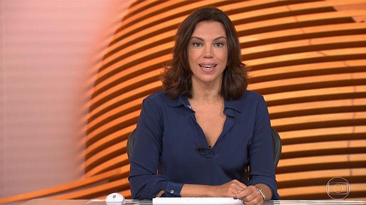 "Ana Paula Araújo sobre fita adesiva: \""Truque para segurar a gola\"""