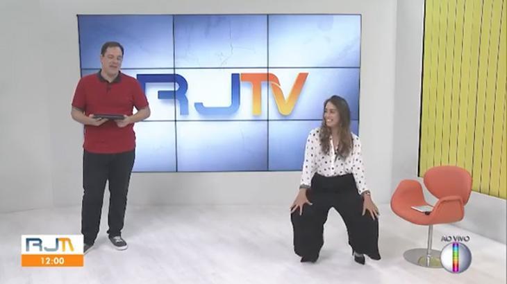 """Ana Paula Mendes """"rala o tchan"""" no estúdio do RJ Inter TV"""