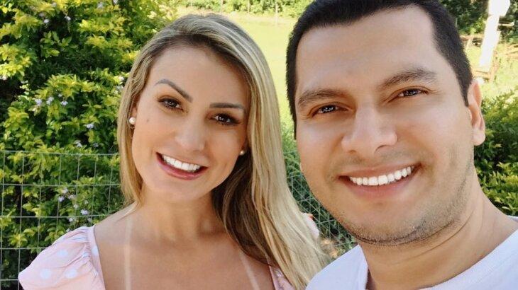 Andressa Urach e Thiago Lopes em selfie