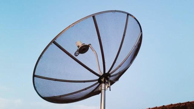 Antena parabólica