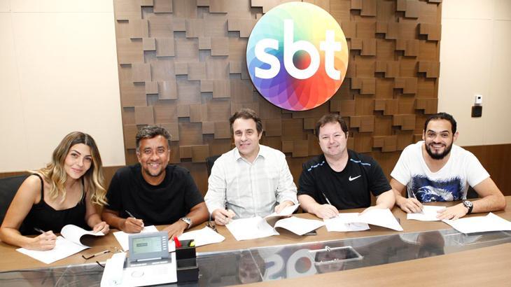 """De uma vez, SBT renova contrato com quatro dos principais nomes de \""""A Praça é Nossa\"""""""