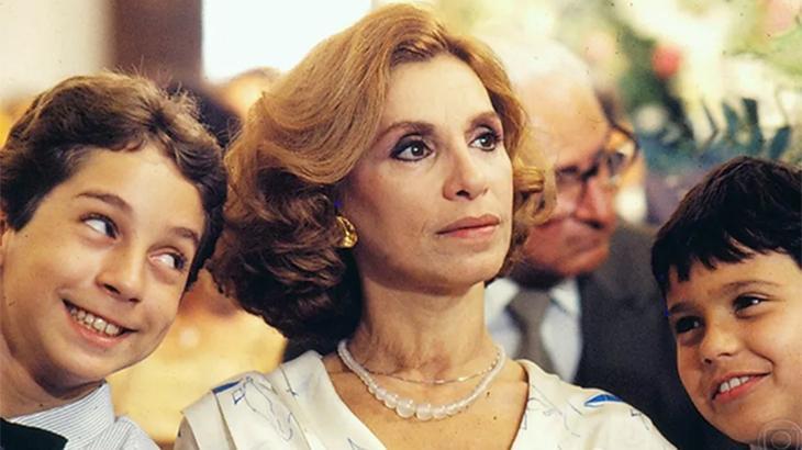 Morre a atriz Aracy Cardoso, aos 80 anos