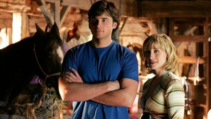 Allison Mack em cena de Smallville