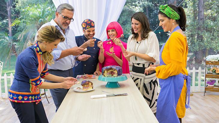 """Tia Perucas e Chef Vitor, de \""""Carinha de Anjo\"""", participam do \""""Bake Off Brasil\"""""""