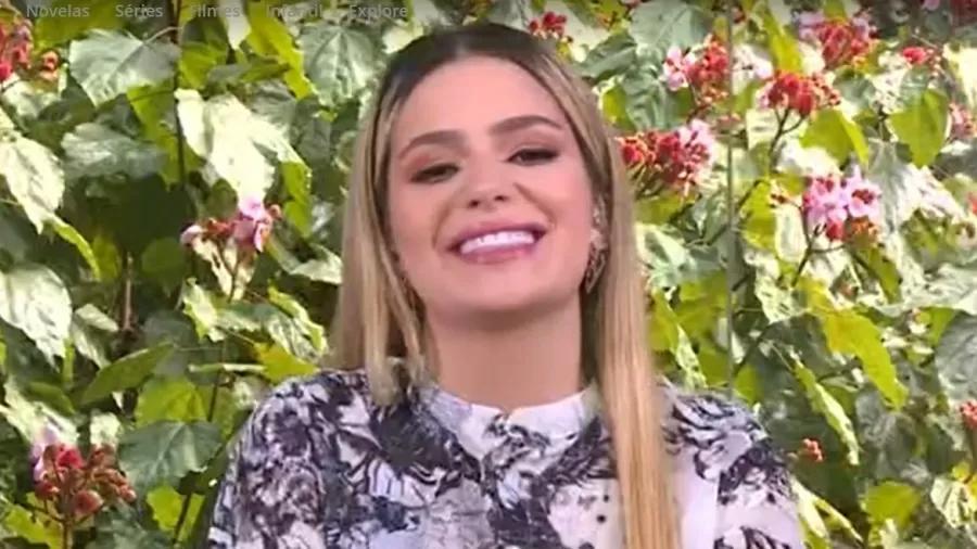 Viih Tube sorrindo em entrevista no Mais Você