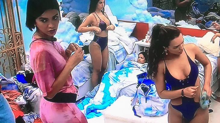 Sisters se preparam para Pool Party