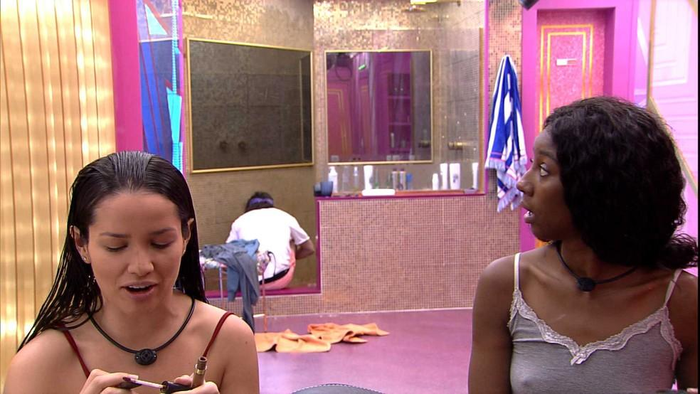 Juliette está ao lado de Camilla de Lucas no BBB21