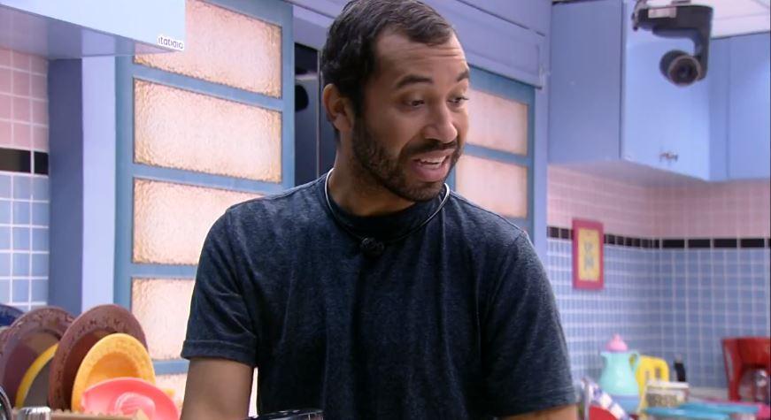 Gilberto está cozinha da xepa no BBB21