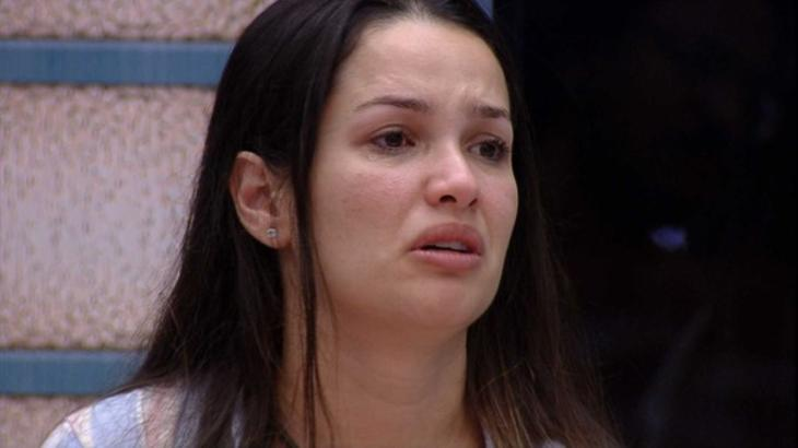 Juliette chorando durante conversa no BBB21