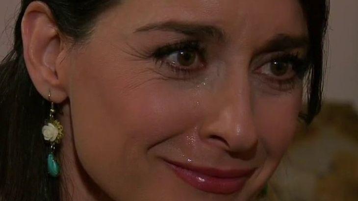Amores Verdadeiros: Salviano se nega a ajudar Kendra em golpe baixo