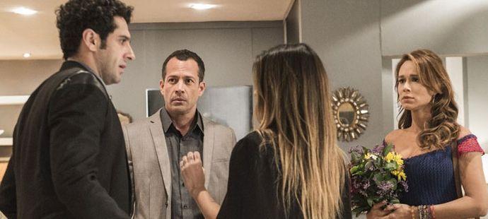 Haja Coração: Beto e Tamara levam Tancinha e Apolo para jantar e acaba em confusão