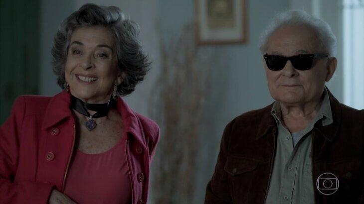 Betty Faria e Othon Bastos em cena de A Força do Querer