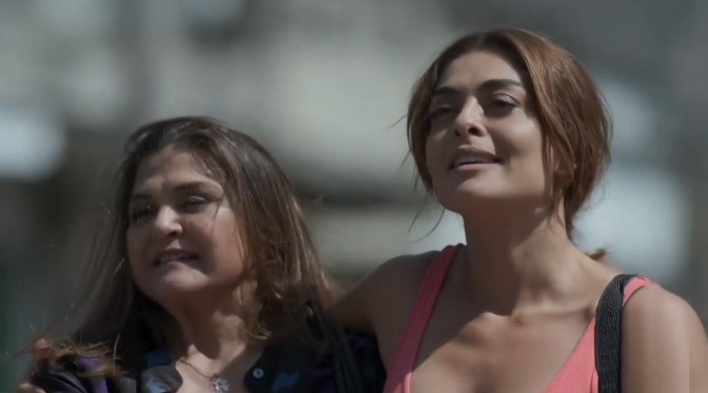Elizângela e Juliana Paes em cena de A Força do Querer, em reprise na Globo