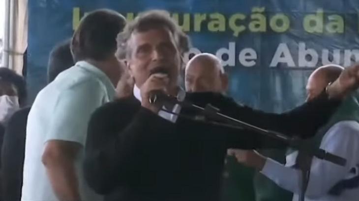 Nelson Piquet xinga a Globo ao lado de Jair Bolsonaro