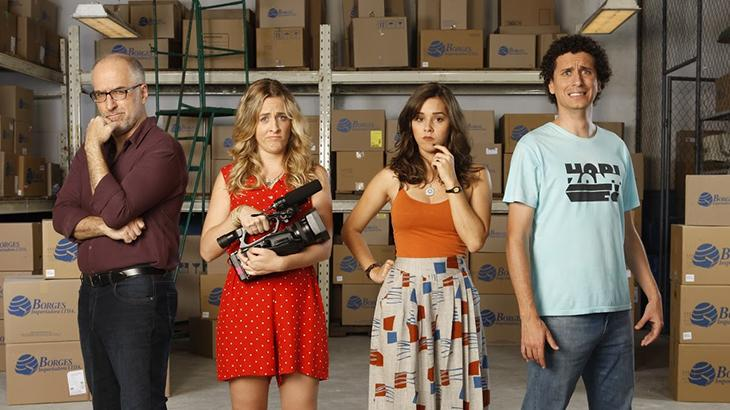 """Atriz explica nova série do \""""Porta dos Fundos\"""" na TV: \""""tem o despudoramento da internet\"""""""
