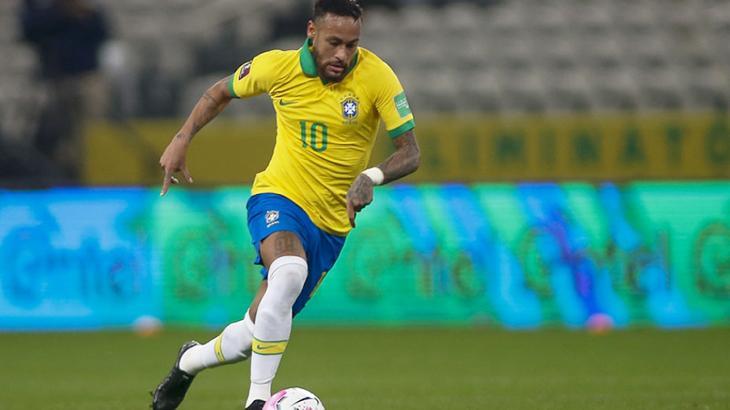 Neymar em ação com a seleção