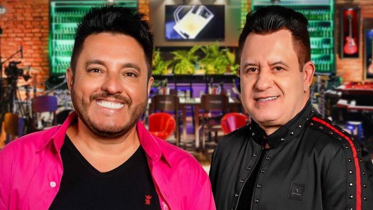 Bruno e Marrone em um bar de show