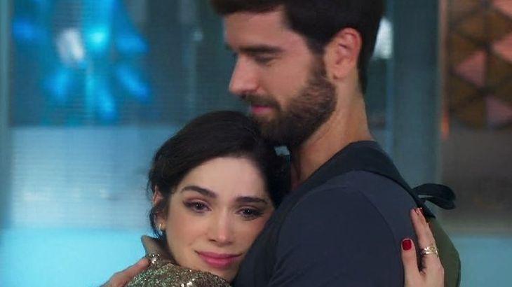 Salve-se Quem Puder: Bruno pede Micaela em namoro sem saber que ela está de mudança