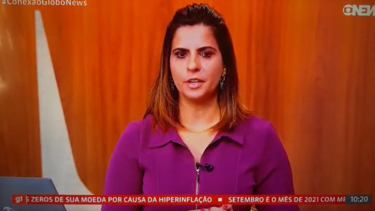 Camila Bonfim ao vivo na GloboNews lendo nota
