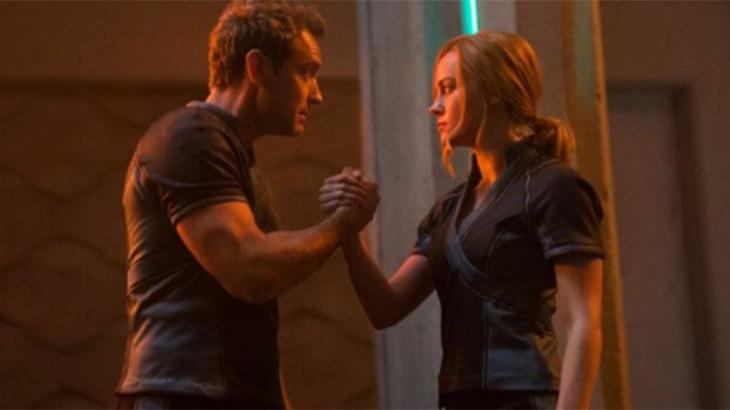 Cena de Capitã Marvel com Brie Larson e Jude Law
