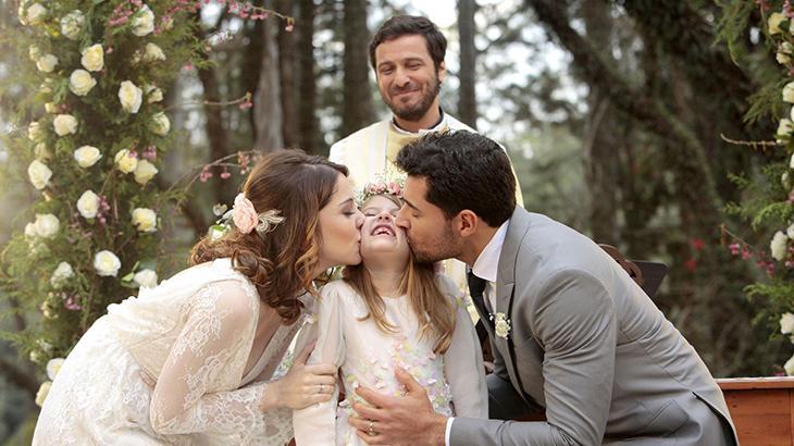 """Em cena bastante aguardada, Gustavo e Cecília se casam em \""""Carinha de Anjo\"""""""