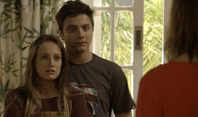 Carol e Murilo encaram a assistente social