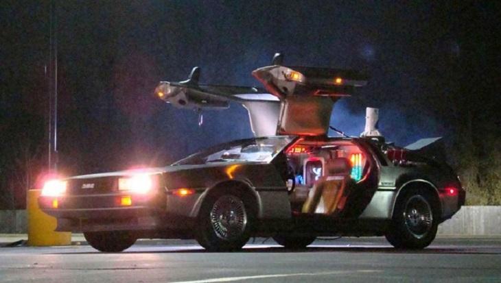 De troca de ator a cena extra com Playboy: 35 anos do filme De Volta para o Futuro