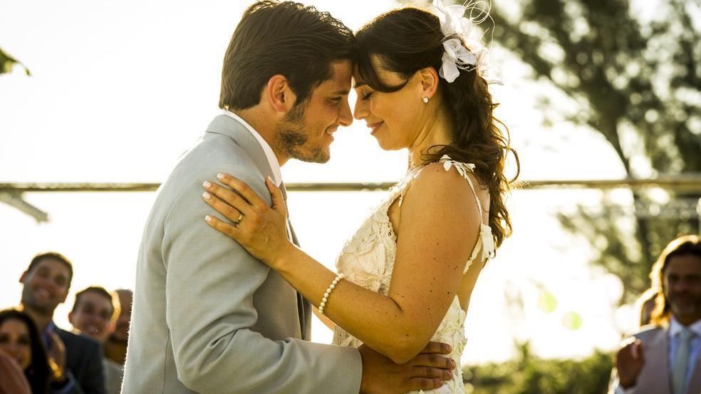 Juliano e Natália se casando em Flor do Caribe