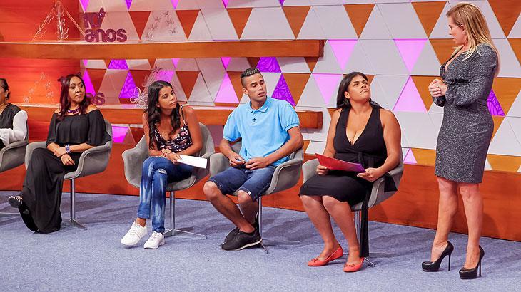 """""""Tenho muita honra de ser apresentadora popular"""", diz Christina Rocha"""