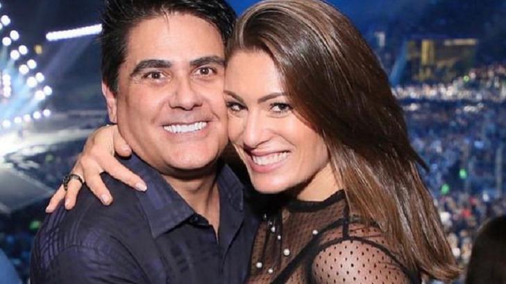 César Filho e Elaine Mickely abraçados