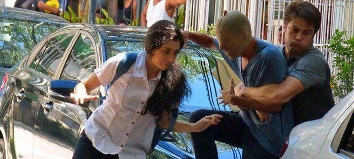 Totalmente Demais: Cassandra arma assalto fake para unir Fabinho e Débora