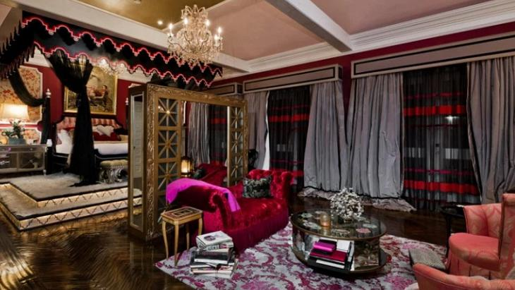 De Caio Castro a Xuxa: As mansões inusitadas dos famosos