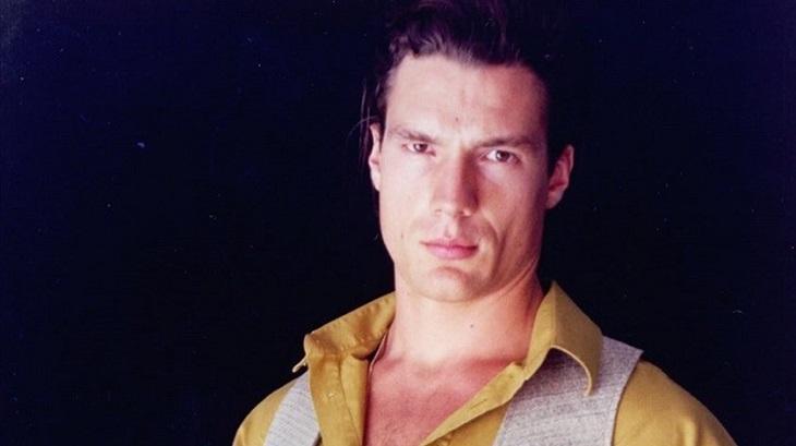Ricardo Macchi como Cigano Igor