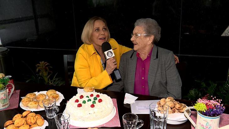 Claudete Troiano entrevistando Palmirinha