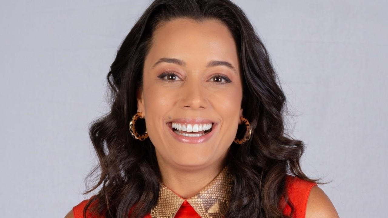 Daniela Filomeno, da CNN Viagem e Gastronomia sorrindo