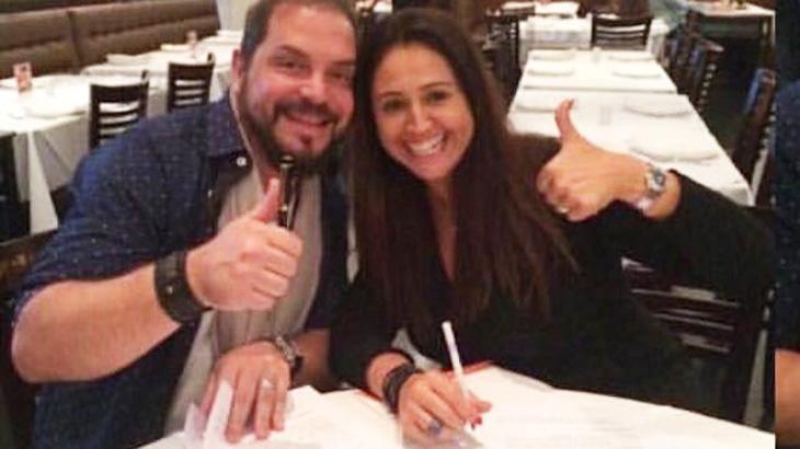 """Antes de entrar em \""""A Fazenda\"""", Conrado assinou com gravadora para novo projeto musical"""