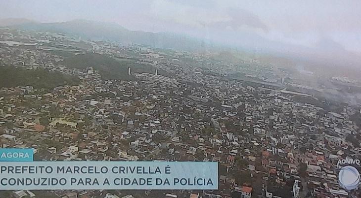 Como Globo e Record trataram a prisão de Marcelo Crivella