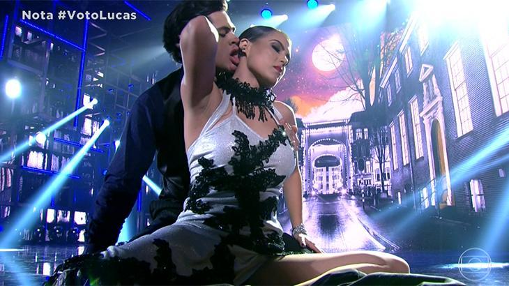 Lucas Veloso pede bailarina do